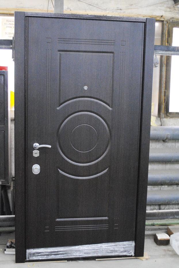 Дверь с двойным окрасом