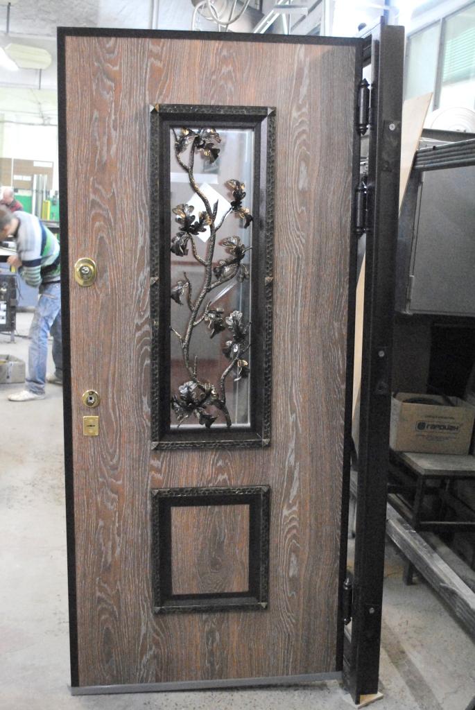 dveri-stardis-okonnyi-proem-kovka-1